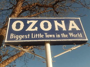 Ozona,_TX_town_sign_DSCN1394